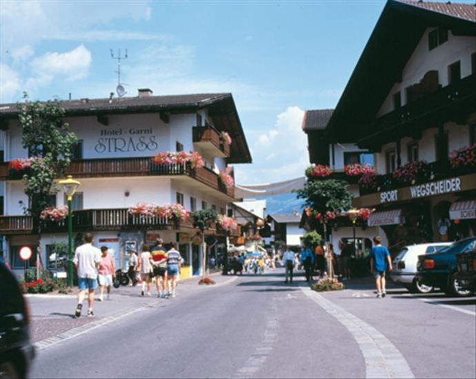 Mayrhofen Austria  city images : Hotel Garni Strass, Mayrhofen, Austria | SNO summer holidays