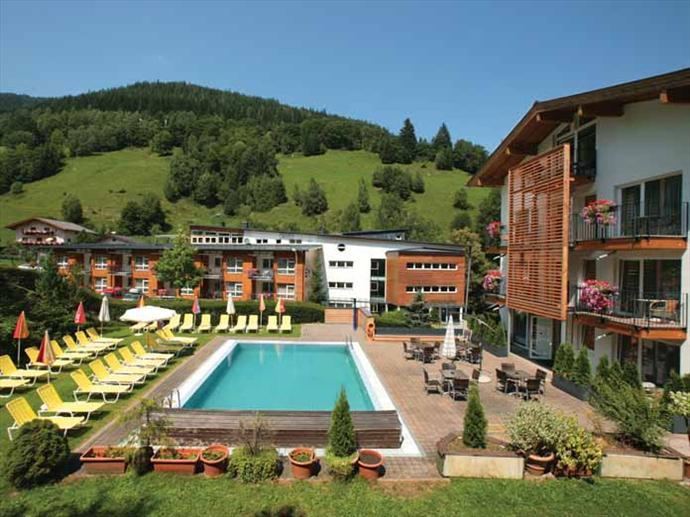 Hotel waldhof zell am see austria sno summer holidays for Designhotel zell am see