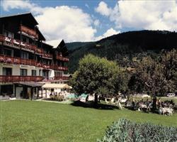 Les Champs Fleuris Hotel