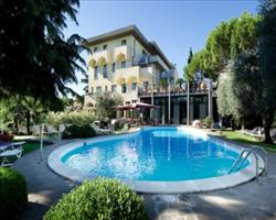 Piccola Vela Hotel
