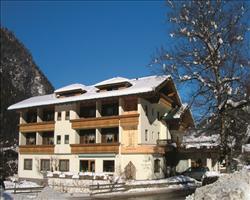 Hotel Harfenwirt - Guest Houses - Niederau
