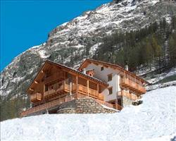 Hotel Ellex, Stafal